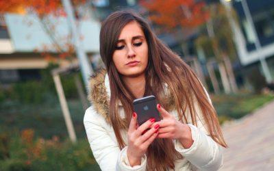 Romans w sieci – niewinna przygoda czy realne zagrożenie?